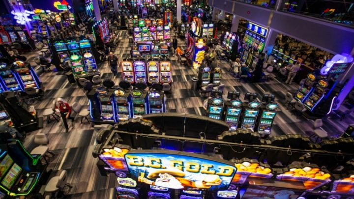 What The Specialists Are Saying About Casino